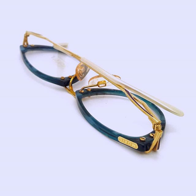 Loving these late 80s cateye J Morie acetate frames. Looking for a loving home, now available on our Etsy store.  #mondaystyle #vintageglasses #cateye #prescriptionglasses #prescriptionframes #vintageeyewear #londonstyle #eyewear #eyewearbloggers #fashioninfluencer #acetate