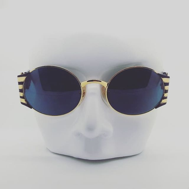 1990s Rochas Mod.9022 Hand Made in Italy.  Quality // Luxurious // Bling Bling 🍍🍍 Available on our Etsy store Ps. New site launch soon! Keep an eye out👀  #rochas #90sfashion #sunglasses #vintageeyewear #vintagefashion #eyewear #bling #designervintage #luxury #goldaccessories #fashionaccessories #comingsoon