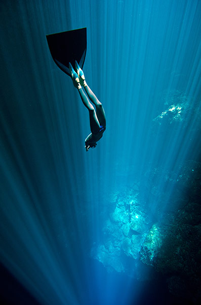 Free-diving-cenote-mexico-011.jpg