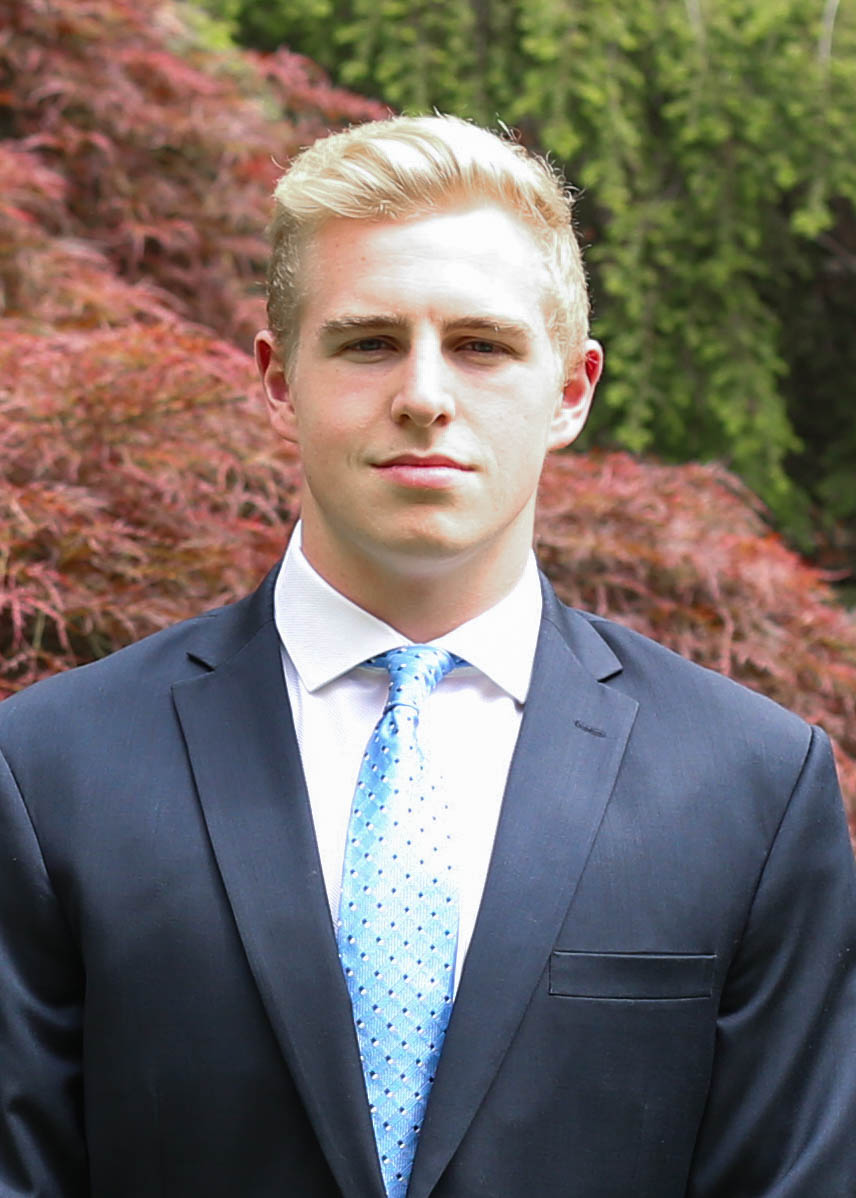 NICK BUNN '19 | OPERATIONS MANAGER - Nick is a sophomore living in Currier. He is pursuing a concentration in Economics with a secondary in Theatre, Dance, and Media. Nick is a member of the Varsity Water Polo team and most enjoys returning to his hometown of Princeton, New Jersey to compete against the team he grew up watching. When he is not in a pool or in the HSA office, you might catch him watching Netflix, relaxing with friends, or working on writing a new play (if you happen to be all the way out in the Quad, that is).