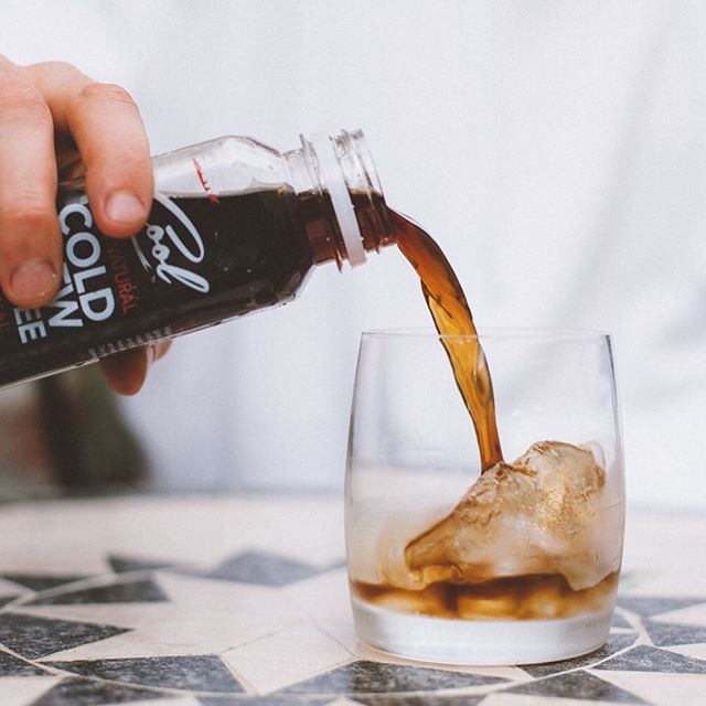 Today's weather☀️ is calling for a cold one💦🥃👌 . . . . . #coldbrew #coldbrewcoffee #coldcoffee #coffee #uk #manchester #london #sugarfree #natural #lowcalorie #healthydrink #specialitycoffee #london #mcruk #healthychoices #coffeelover #coffeegram #manmakecoffee #vegan #bloggers #icedcoffee #refreshing