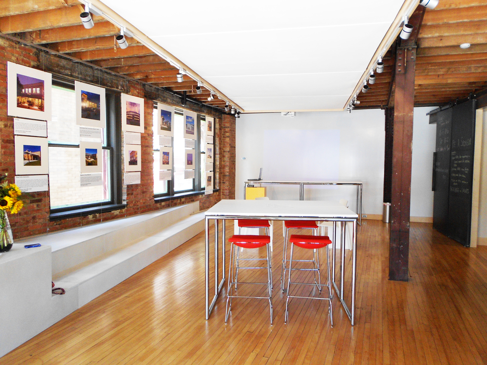 The space can be arranged into mini breakout sessions for small group work or brainstorming.