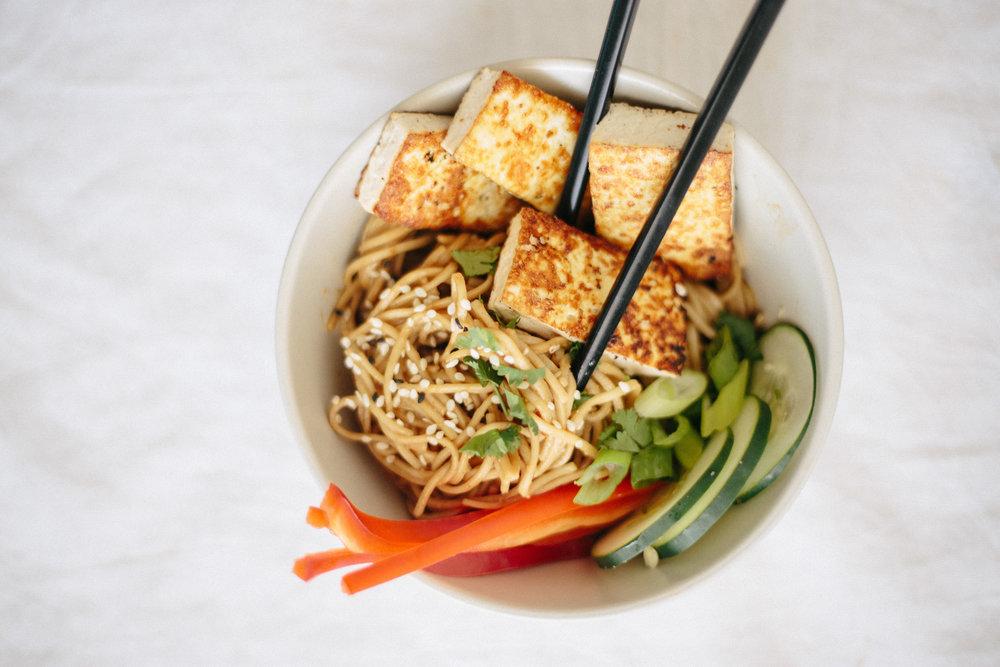 soba_noodle_tofu_bowls_peanut_sauce-30.jpg