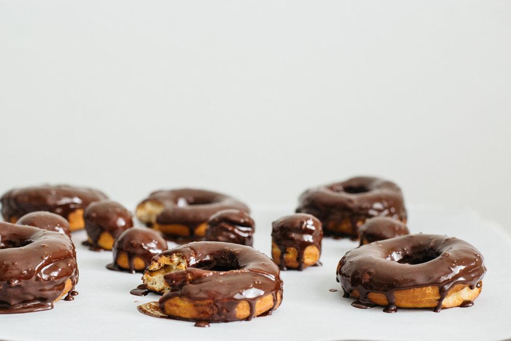 cardamom_chocolate_doughnuts-118.jpg