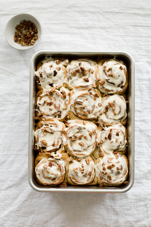 overnight_pecan_maple_cinnamon_rolls-11.jpg