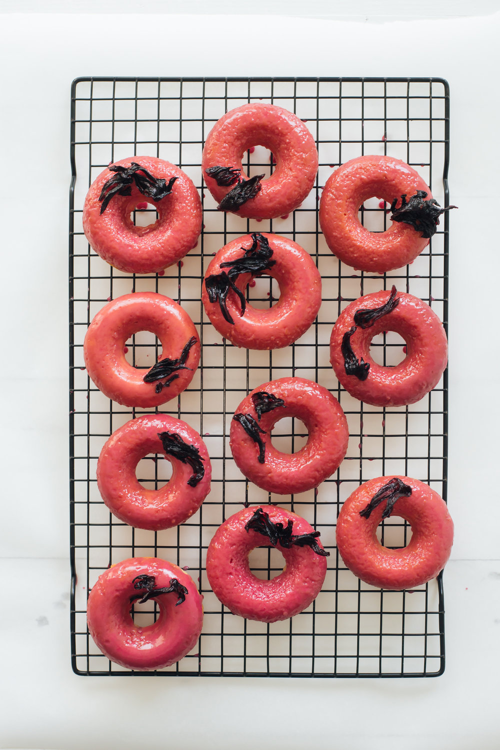 hibiscus_baked_donuts-4.jpg