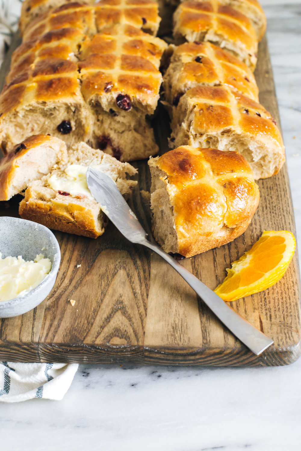 orange_cranberry_hot_cross_buns-29.jpg
