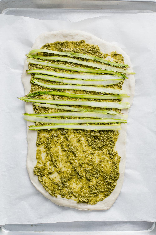 asparagus_pea_pesto_pizza-16.jpg