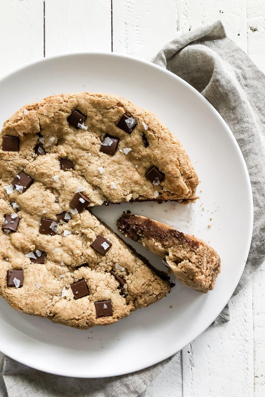 chocolatechunkcookiecake_3.jpeg