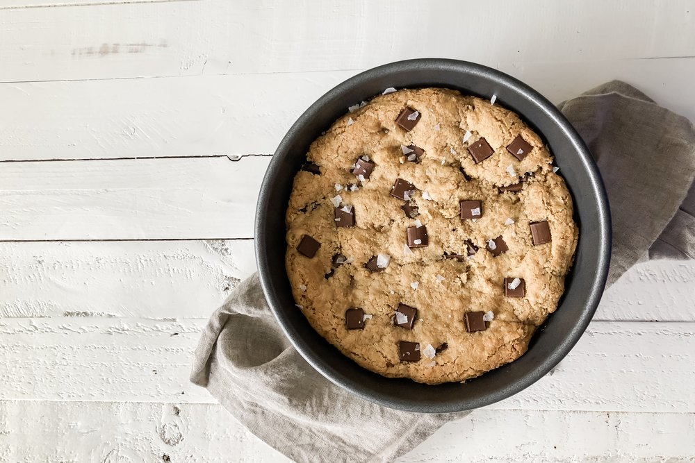 chocolatechunkcookiecake_2.jpeg