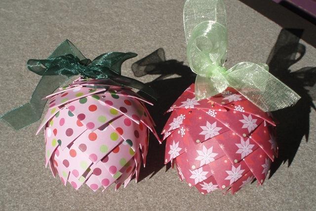 pinecone-ornaments.jpg