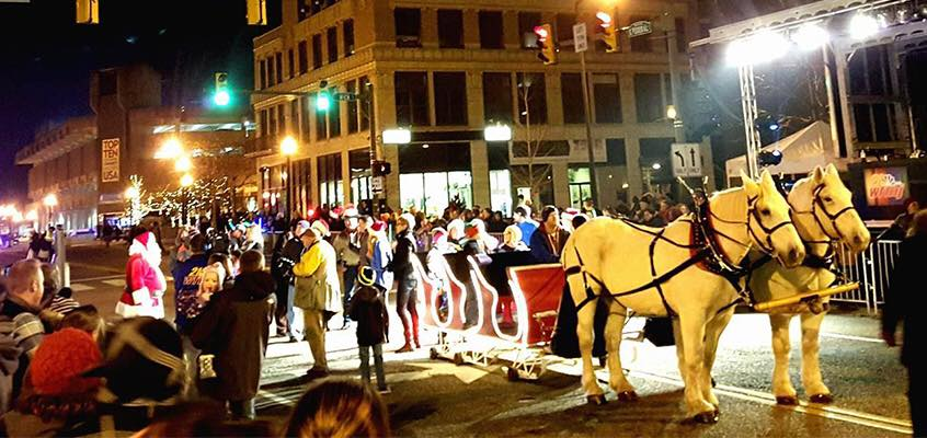 Did I forget to mention that all this was going on outside of the Deyor on Friday night? A beautiful horse drawn sled, parade, tree lighting and more! Photo by Youngstown Live