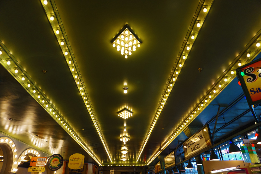 Those arcade lights!