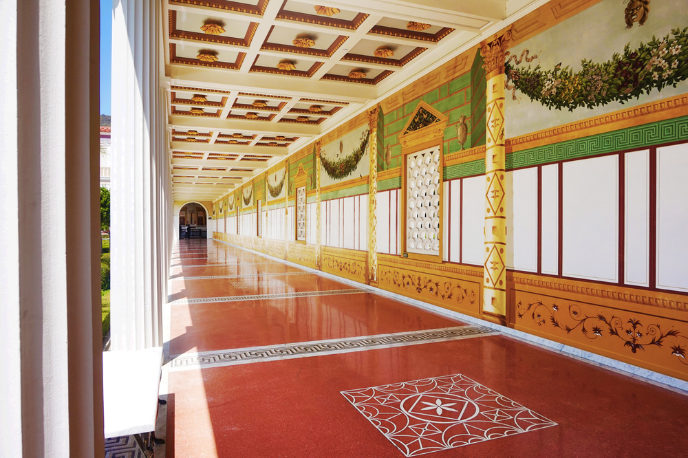 "The hallways were what reminded me of the Forbidden City and the Summer Palace; they had patterned ""windows"" and beautifully painted walls and fancy ceilings."