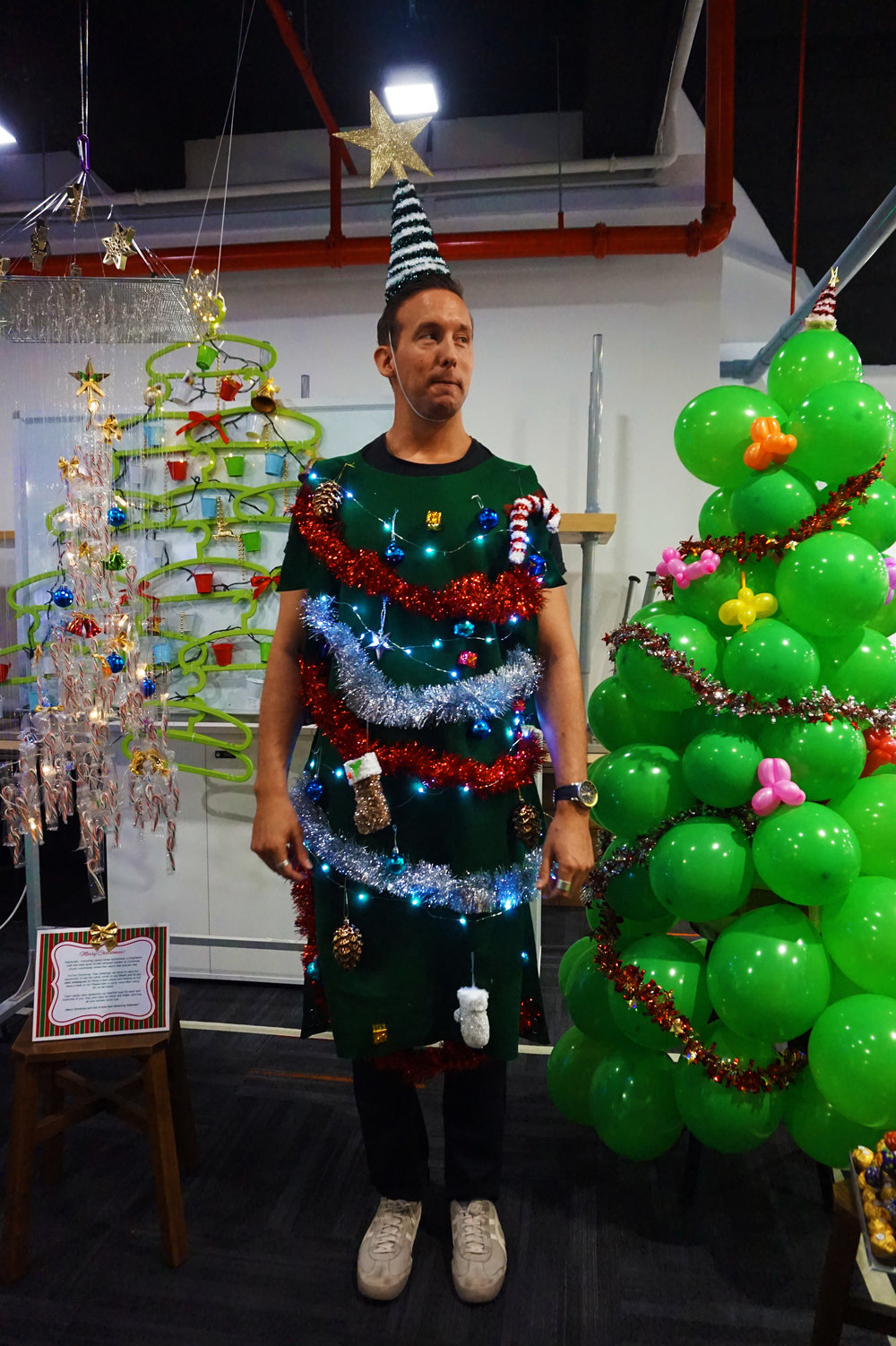 Planning's award-winning human Christmas tree
