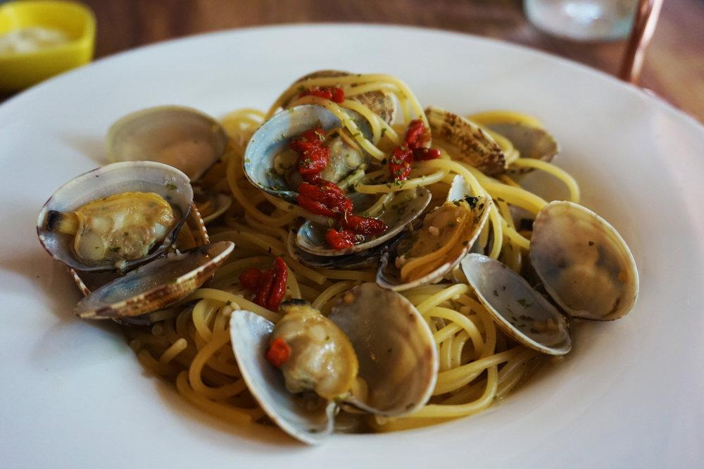 Drunken clam pasta