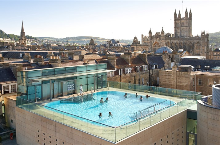 The main rooftop bath (from thermaebathspa.com)