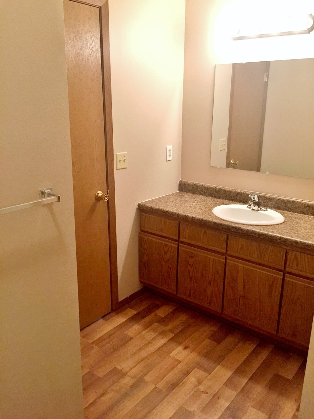 Southern Cross Apartments in Rapid City, SD - bathroom