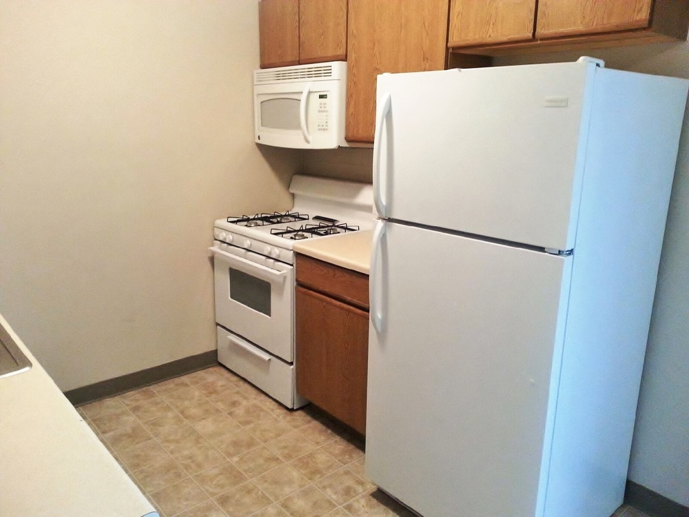 Pleasant Hill Village Town Home Rentals in Rapid City, SD - kitchen