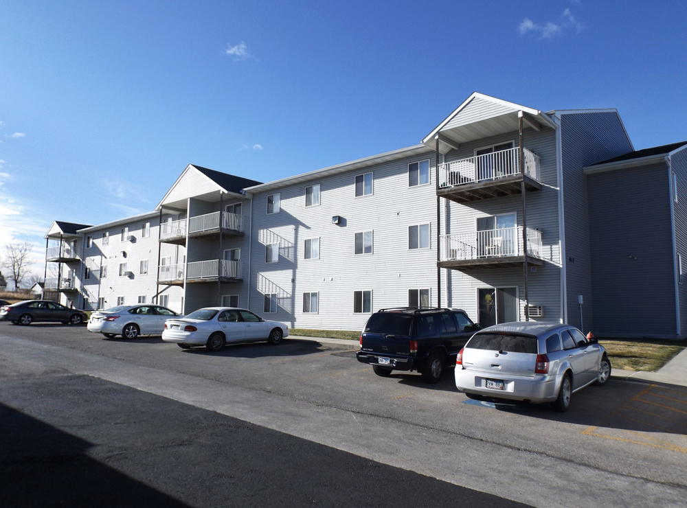 Superior Southern Cross Apartments In Rapid City, SD 01
