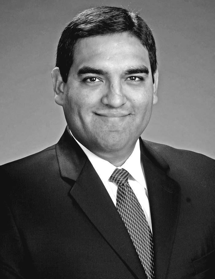 Dr. Victor B. Sáenz,Assistant Professor,UT-Austin