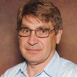 Dr. Stefan Hanson