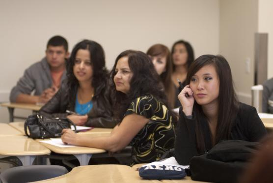 Students listen to a physics lecture at Sacramento City College's Davis Center, located in West Village on the UC Davis campus. UC Davis photo.