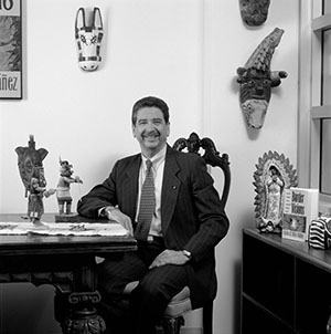 Dr. Carlos Vélez-Ibáñez