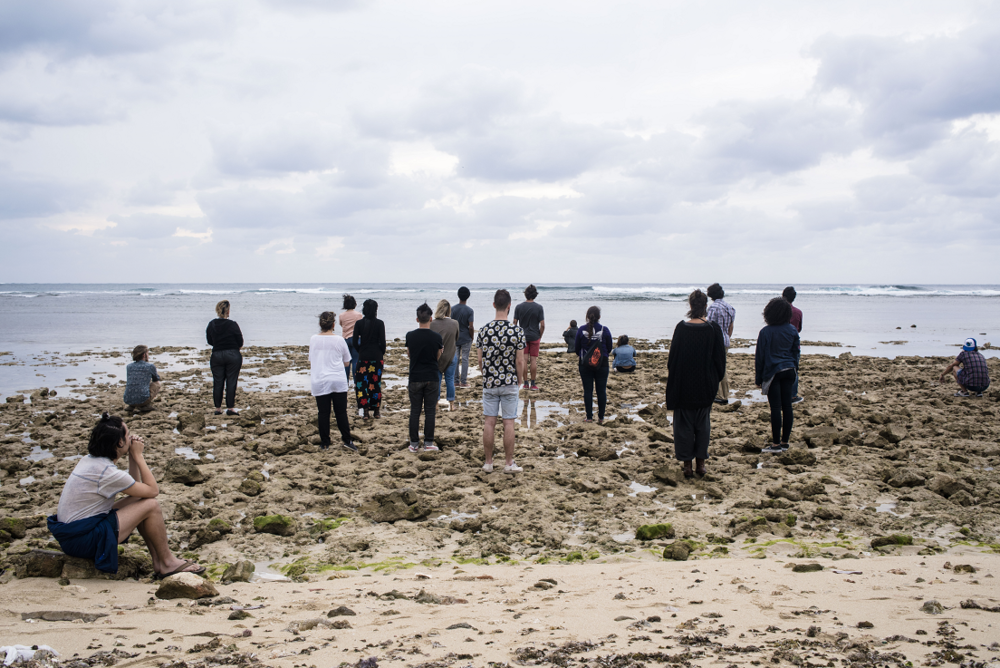 Cuban and American artists, participating in El Acercamiento/The Approach, on the Cuban shore looking towards Miami in 2016. Artist: Aissa Santizo. Photo: Pablo Bordon. Courtesy of CalArts.