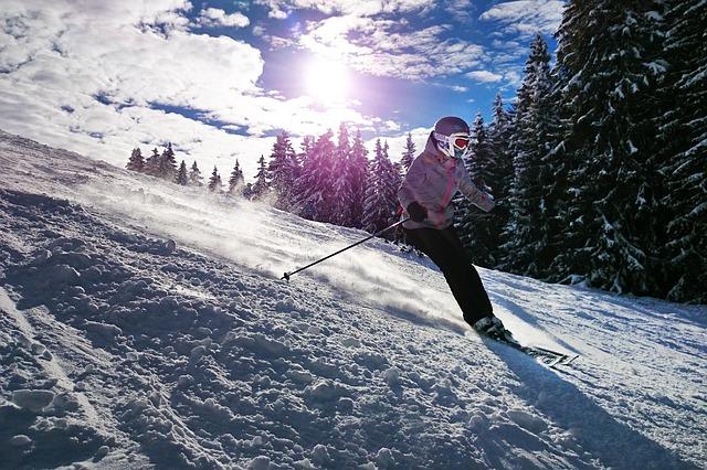 skiinggirl.jpg