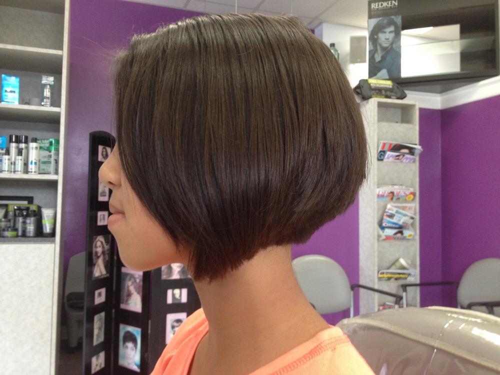 Sara rocks this cut!
