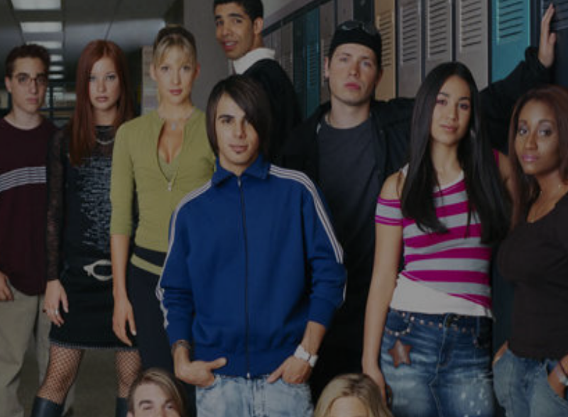 I Just Finished Rewatching Degrassi – 3 Reasons It Made My Feminist Heart Burst