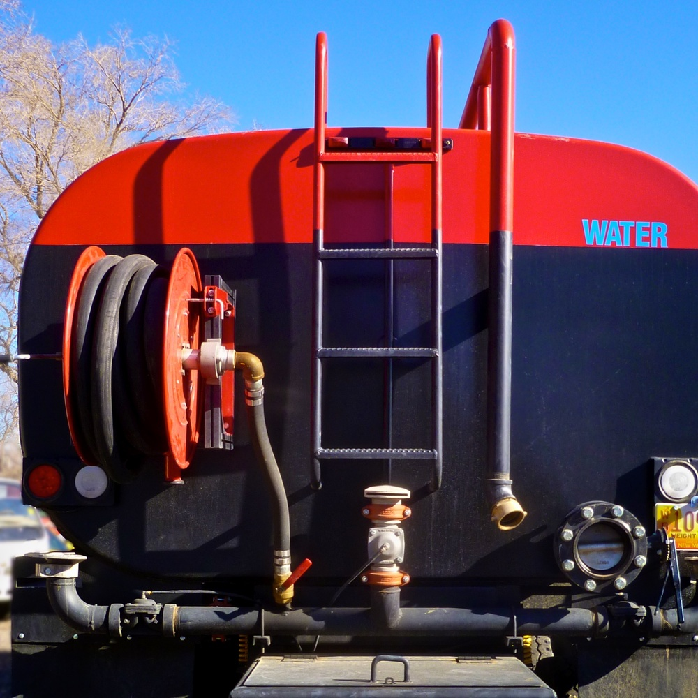 Water Tanker RedBk w15 2470.jpg