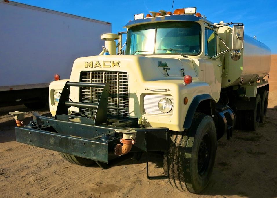 Water Truck wayne  w 2534.jpg
