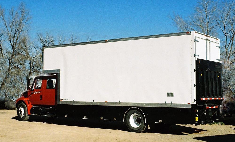 Cargo Truck w 3019 (1).jpg