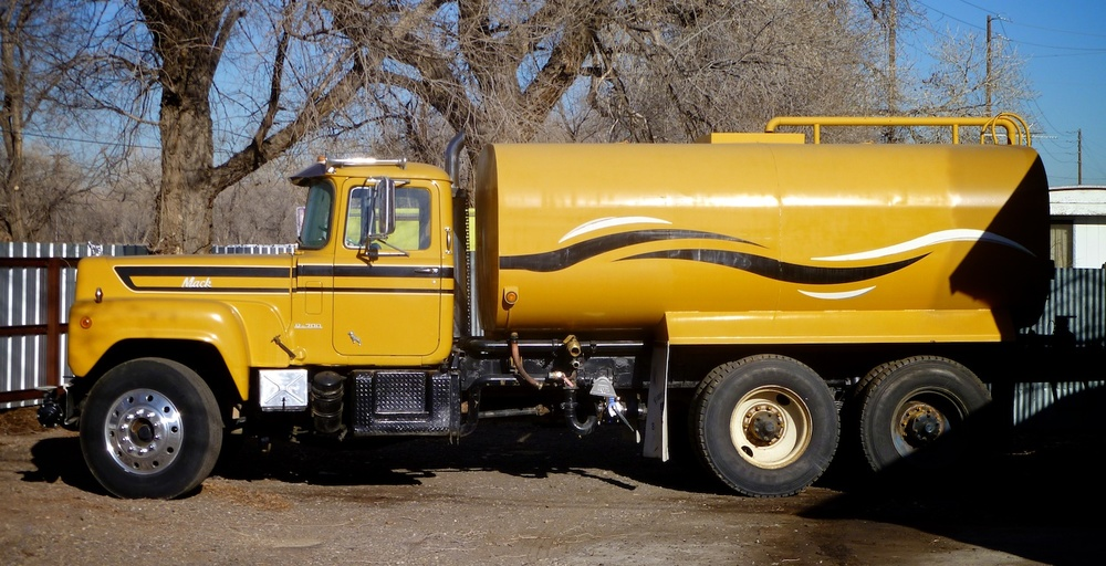 Water Truck PicCar 3537.jpg