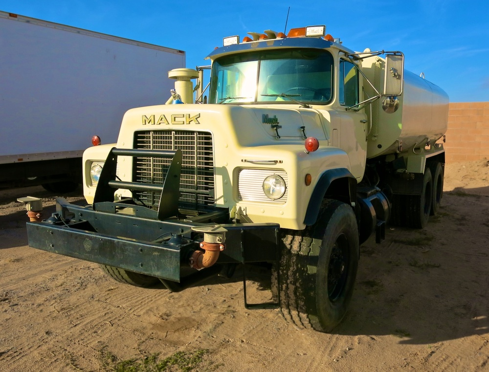 Water Truck PicCar 3544.jpg