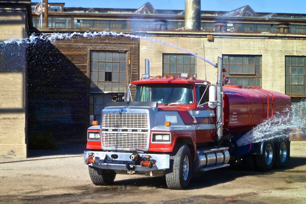 Water Truck PicCar 3548.jpg