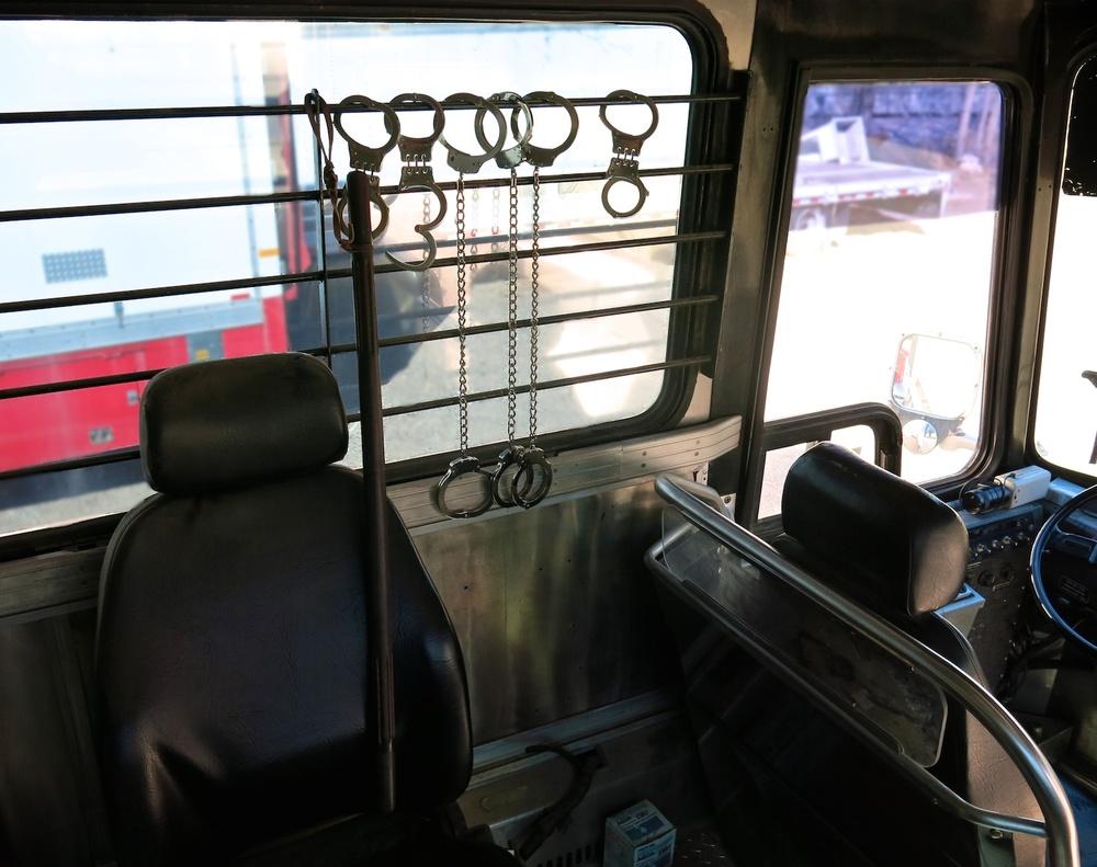Bus Prison 3634.jpg