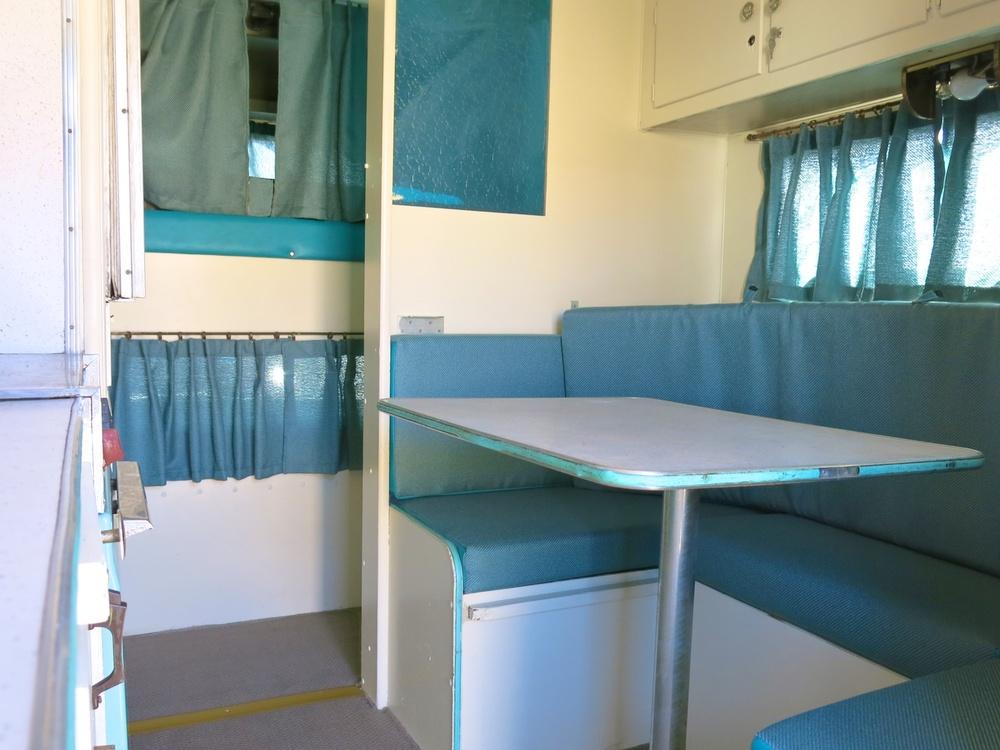 Vintage Camper 60s 3638.jpg