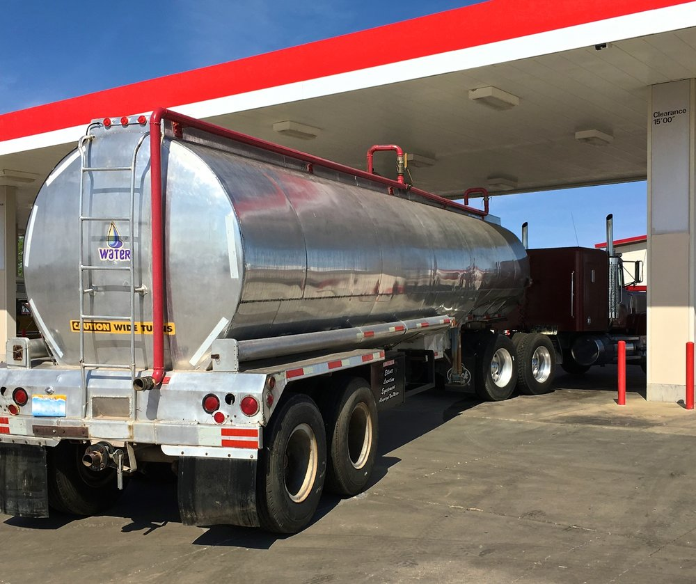 Water Tanker 1500 6572.jpg