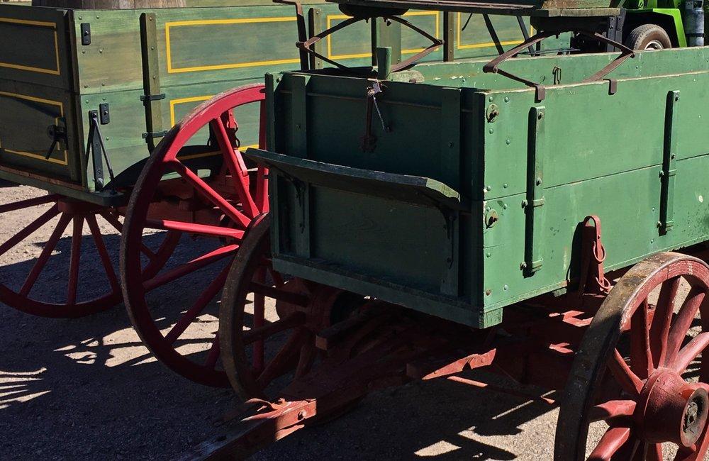 Vintage Buck Board Wagon 6667.jpg