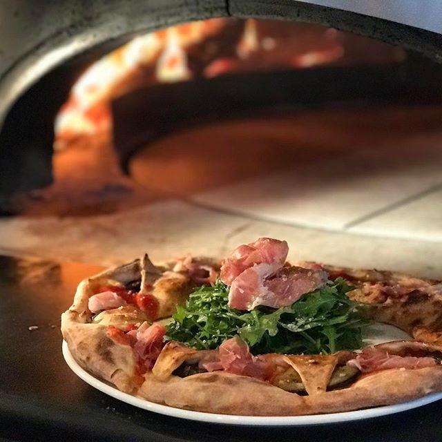 Pizza di nuovo Napoli