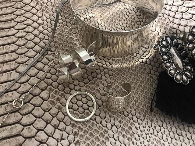 . silver accessory ... . .