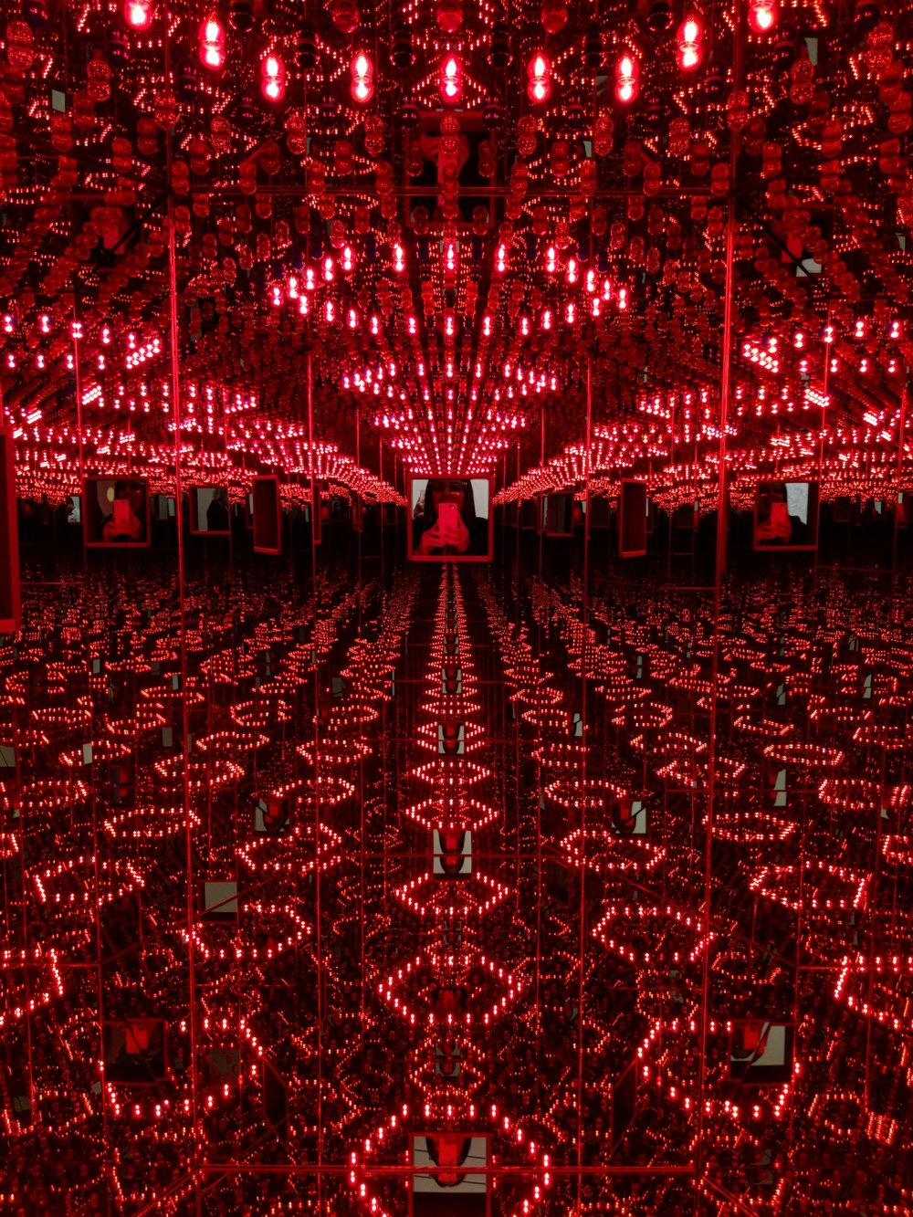 Yayoi Kusama at The Broad, Pixel 2 Phone Review