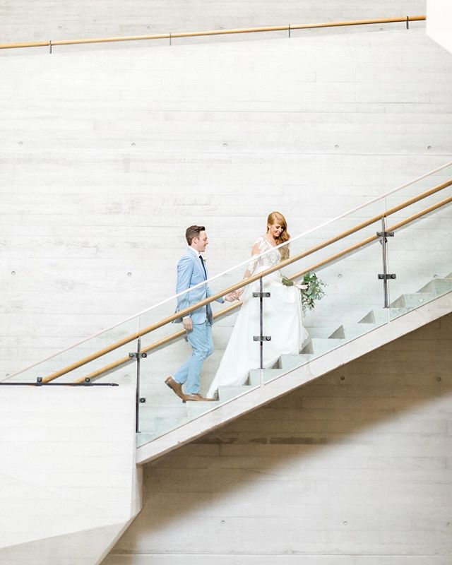 Thinking about offering some early spring studio mini sessions this year.. calling all newly engaged couples! More details in my story! Also how gorgeous is the interior of the @nhmu 😍