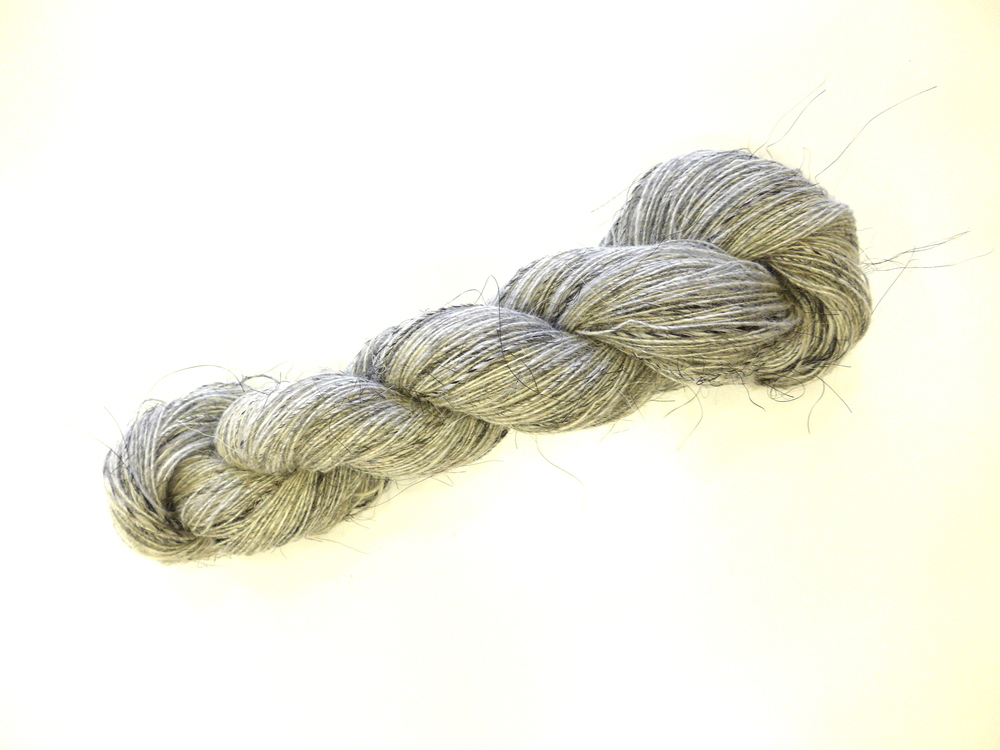Icelandic wool and horse hair yarn.
