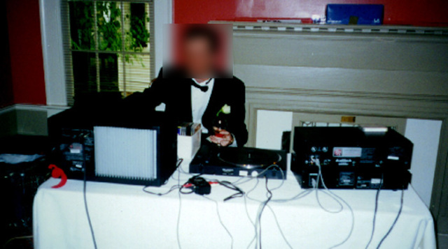 AN AMATEUR WEDDING DJ GIVES AMATEUR RESULTS
