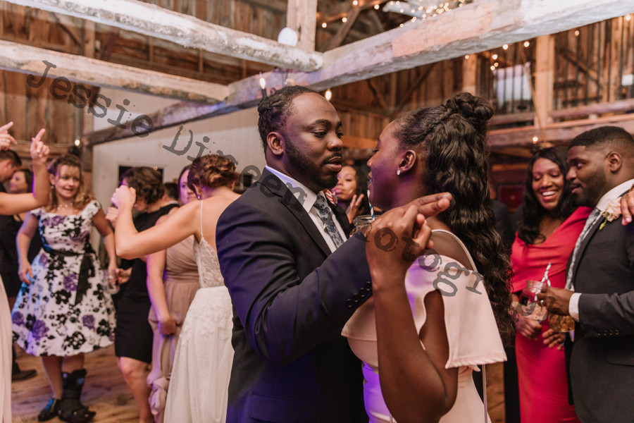 A Professional Wedding  DJ Make You Dance.