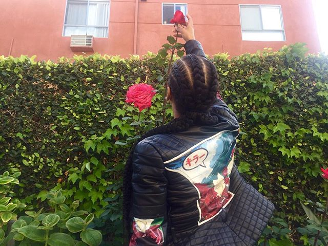 #WeTheRoses Give Your Ppl Flowers 🌹While They Can Smell Them  #Art #HxHLA #HXHDC #StreetArt #FineArt #Graffiti #Abstract #AbstractArt #ContemporaryArt  #Tag #Graff #DCart #MDart #MarylandArt #ShayWill #TheArtofShay #Basquiat #Warhol #KeithHaring #Picasso #Wetheroses #Roses #Fashion